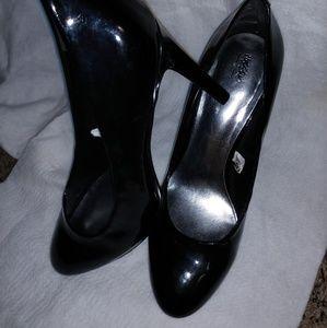 Mossimo Black Pumps